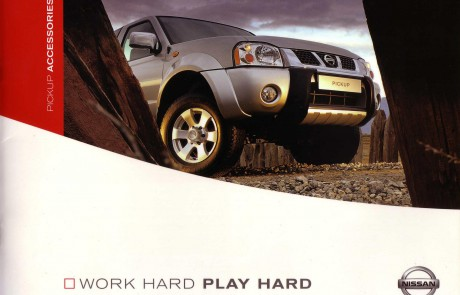 Nissan 4 x 4 accessory brochure front cover.